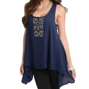 Tops - Gorgeous studded loose tank NWT M