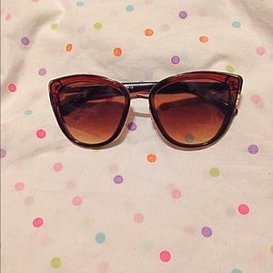 Accessories - Brown Sun Glasses