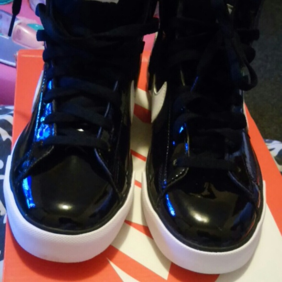 Nike Blk Patent Leather Sneakers Worn A