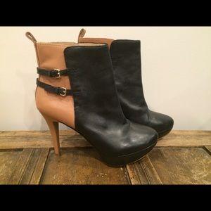 Black/tan Zara ankle booties
