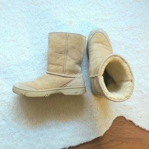 UGG Ultimate Short Boot