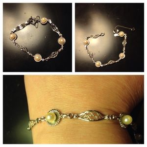 Delicate sterling and pearl bracelet