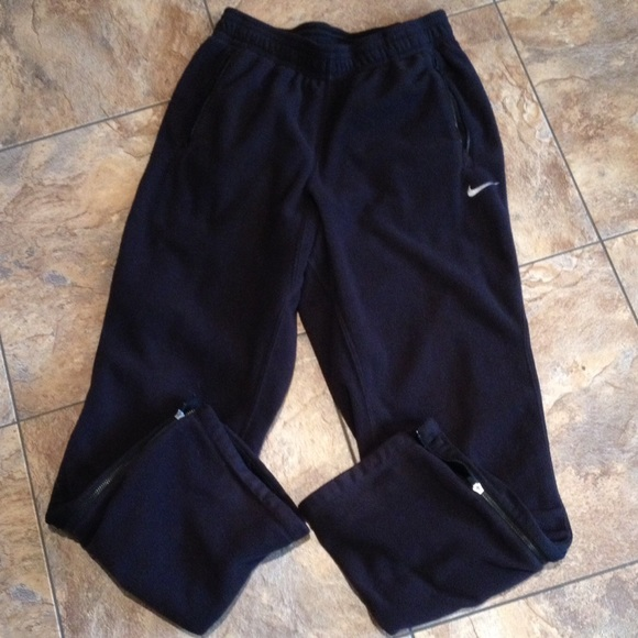 premium selection 3cfc6 72bf3 Womens Nike therma fit fleece. M 5512c87cd14d7b6f22002cd0. Other Pants ...