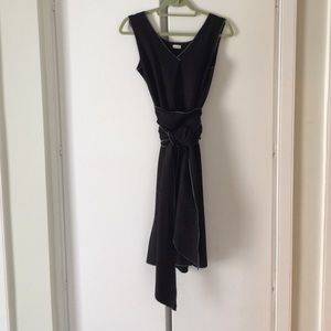Kara line stretch wool sleeveless dress