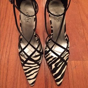 Pretty strappy zebra print heels!!