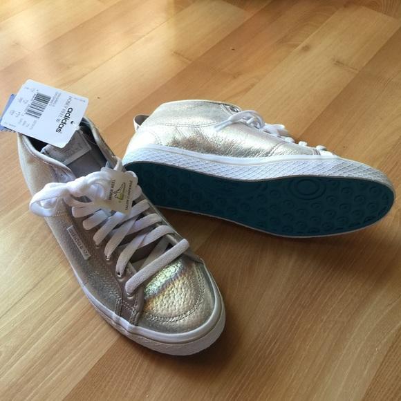 Adidas honey up silver sneaker NWT