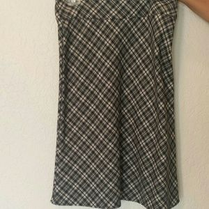 Perfect knee lenght plaid skirt