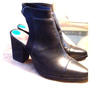 Vince Camuto Backless Bootie Size 8