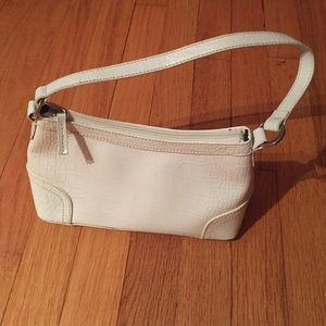 Small white Tommy Hilfiger purse