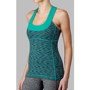 Lululemon atheltica scoop neck top size S/2
