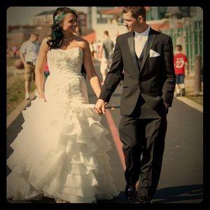 Lazaro Lovelle Wedding Gown