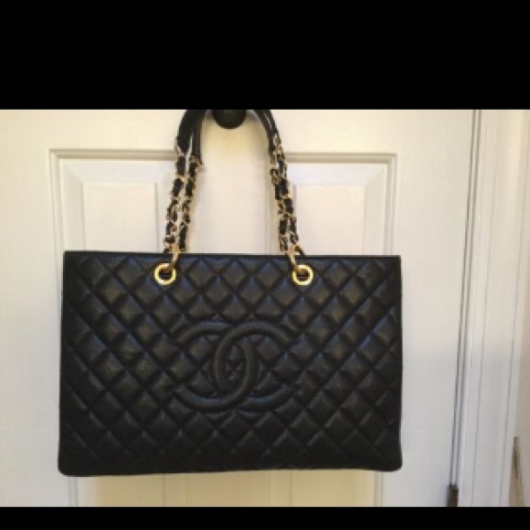 bb14451e0fbf CHANEL Handbags - Chanel GST tote bag (black)
