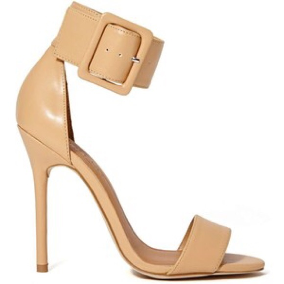 Nasty Gal - SOLD IN BUNDLE🚫 Nude Thick Ankle Strap Heels from