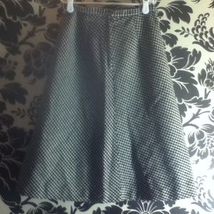 Dresses & Skirts - Black and White Houndstooth Tea Length Skirt
