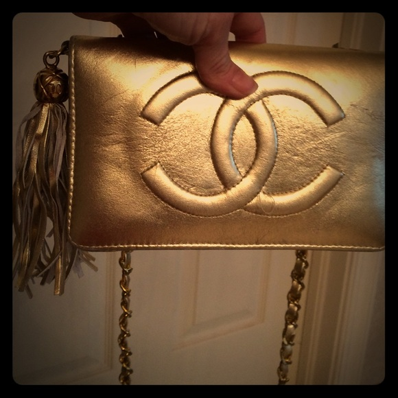 6a9bf4b648a7c6 CHANEL Handbags - Vintage Chanel gold handbag