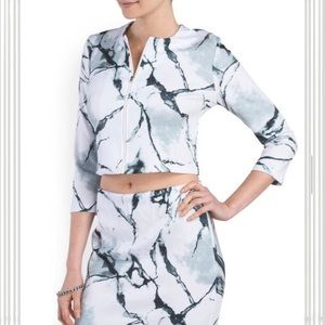 Carmen Marc Valvo Jackets & Blazers - HP🎉Cropped Marble Print Jacket S,