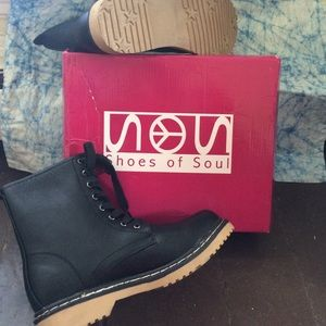 Combat boots NIB Shoes of Soul Sz 8