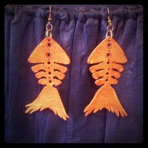 Genuine leather fishbone earrings