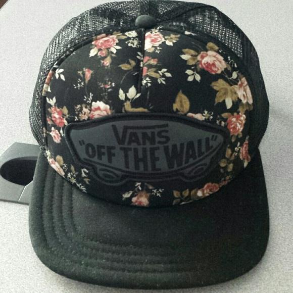 Vans Floral Rose Trucker Hat. M 5515c23cb5643e60ea00440f 01a9249b813