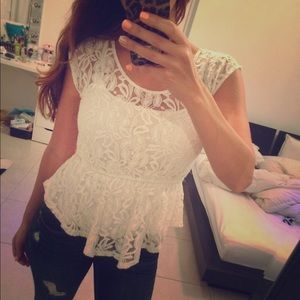 Tops - SALE 💗 White Lace Top