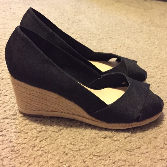50 liz claiborne shoes black wedges from mai s