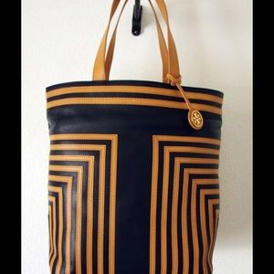 TORY BURCH NAVY VACHETTA LEATHER N/S TOTE $650