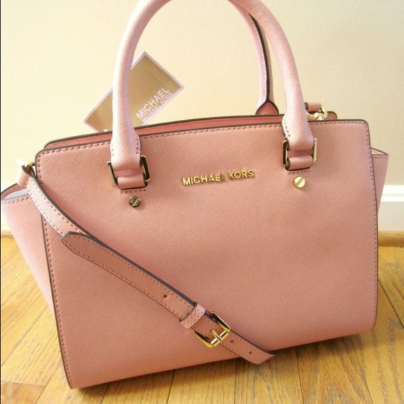 950c4e6a5960 Michael Kors Medium Selma