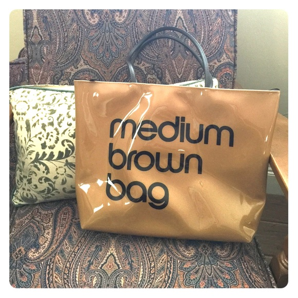 428e36fdcd Bloomingdales Handbags - Bloomingdales Medium Brown Bag Tote