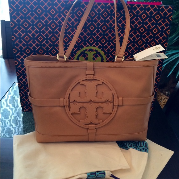 72deaf3b5d5d Tory burch handbag! Not for sale