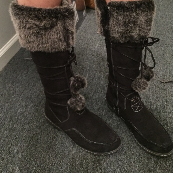 75% off American Eagle by Payless Shoes - Snow boots from