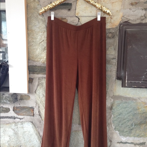 Chicos Travelers Collection brown pants NWT