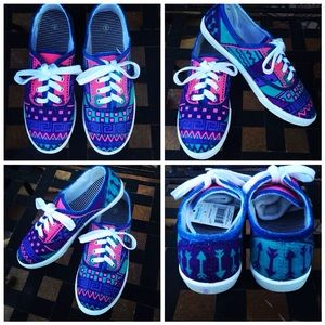 Shoes - Funky Hand Painted Shoes 😍