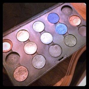 Accessories - MAC palette
