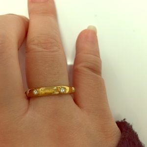 JCREW size 7 gold plated ring w rhinestones