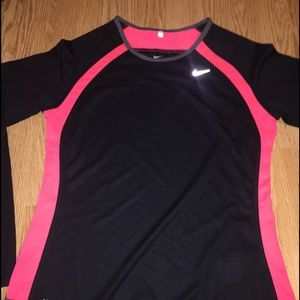 Women's NIKE Dri Fit Long Sleeve Running Shirt NEW