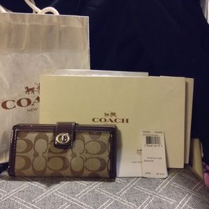 Coach Park Signature Khaki Turnlock Slim Wallet