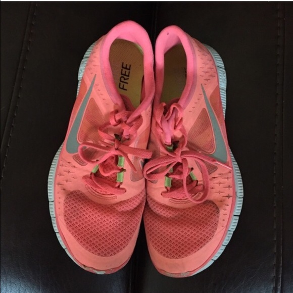 0b1258d19274 Preloved Nike Free running shoes. M 5518199d7eb29f506e00b8df
