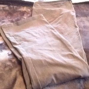 Yummie by Heather Thomson Pants - BNWOT Yummie gray yoga pants