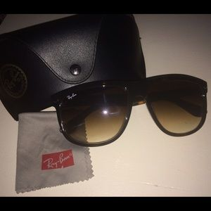 Ray ban authentic sunnies!!!!!