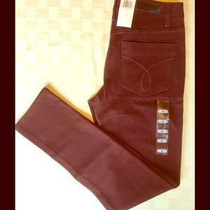 Calvin Klein Pants - NEW - Calvin Klein ❤️ Skinny Pants ❤️ merlot color