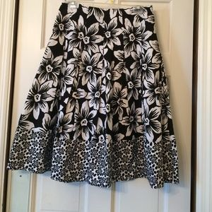 COVINGTON BLACK & white skirt