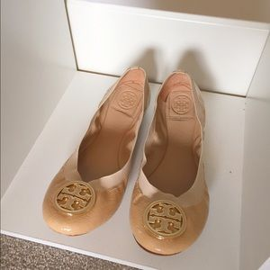 Tory Burch Shoes - Tory Burch Nude Patent Caroline Flats