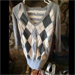 Sweaters - Grey argyle V-neck sweater