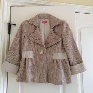 BCBG Jackets & Blazers - Beautiful BCBG cropped coat