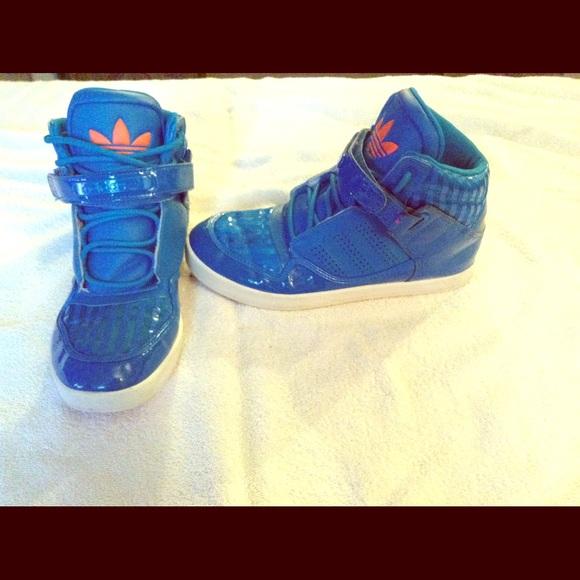 Adidas zapatos AZUL Orange Youth tamaño 65 85 mujeres poshmark