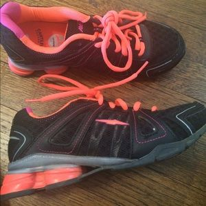 Black and Pink Tennis shoes size 6