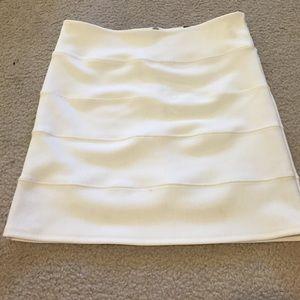 Off-white pencil skirt