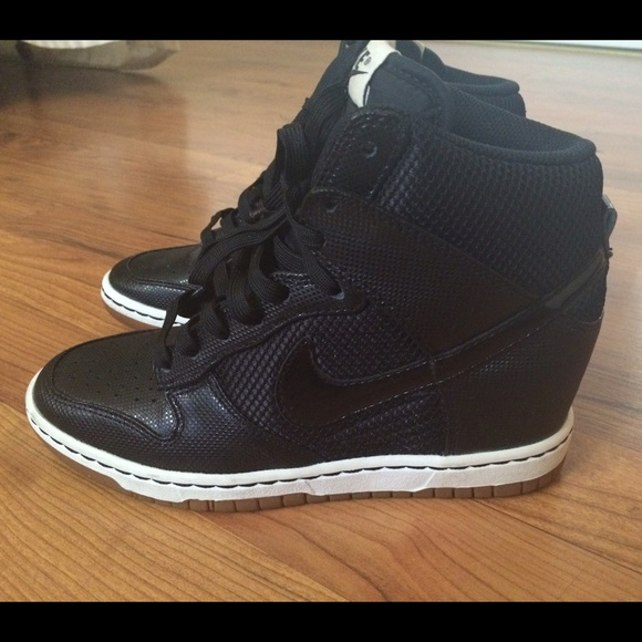 black sky hi dunks