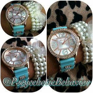 Jewelry - Light Blue adjustable watch w/faux pearl bracelet