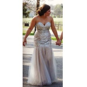 Terani Couture Dresses & Skirts - Prom dress for sale! Worn once, perfect condition.